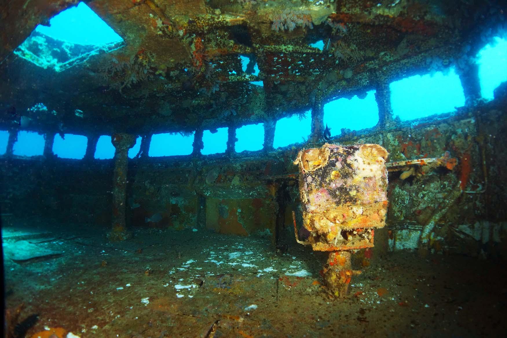 titanic wreck inside www pixshark com images galleries ship clipart black ship clipart disney dream #593